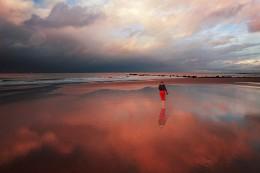 Spaziergang in den Wolken / mikhaliuk.com